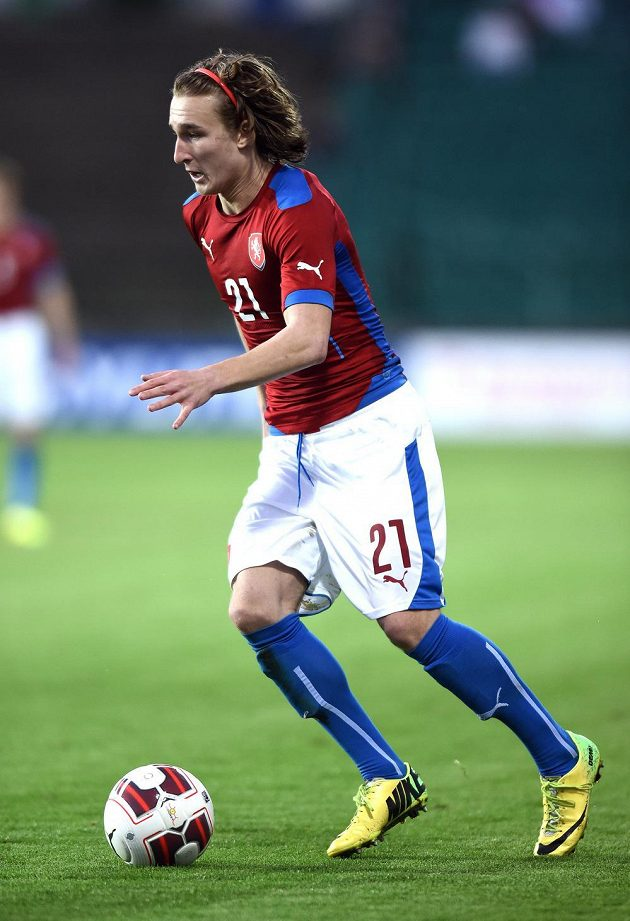 Obránce Matěj Hanousek během přátelského utkání s Itálií.