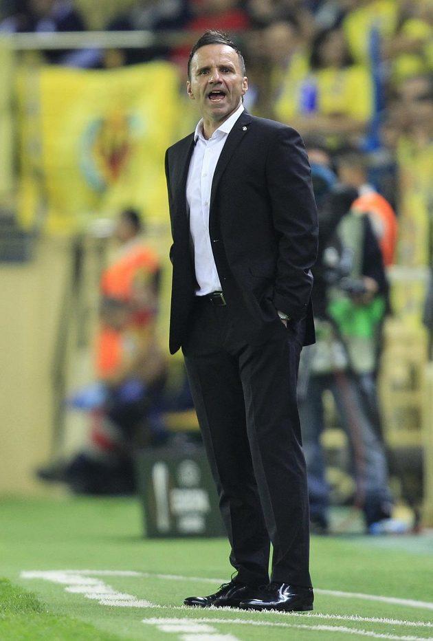 Plzeňský trenér Karel Krejčí na stadiónu El Madrigal ve Villarrealu.