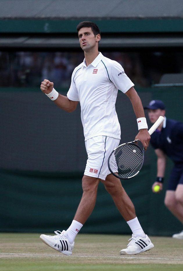 Novak Djokovič si vynutil v osmifinále s Jihoafričanem Kevinem Andersonem pátý set.