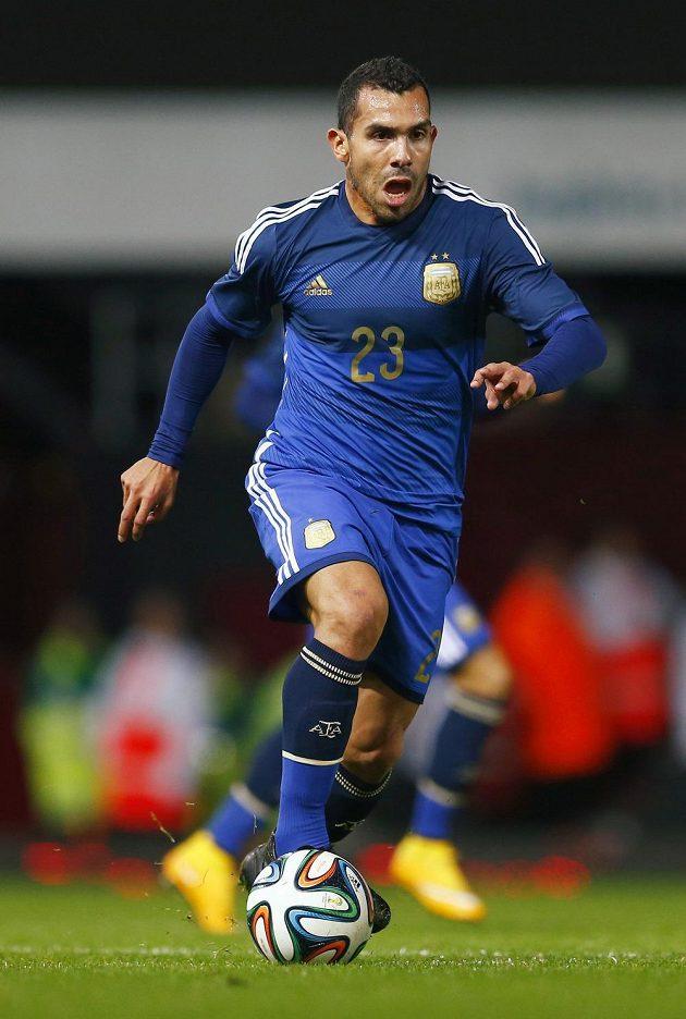 Útočník Carlos Tévez po třech letech znovu navlékl reprezentační dres.