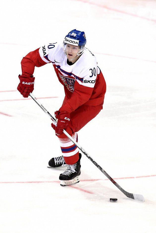 Jakub Krejčík, bek české reprzentace, v utkání s Francií.