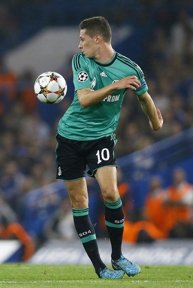 Julian Draxler potvrdil svůj velký talent i na hřišti Chelsea. Schalke díky jeho přihrávce na gól Huntelaarovi vyválčilo na Stamford Bridge bod za remízu 1:1.