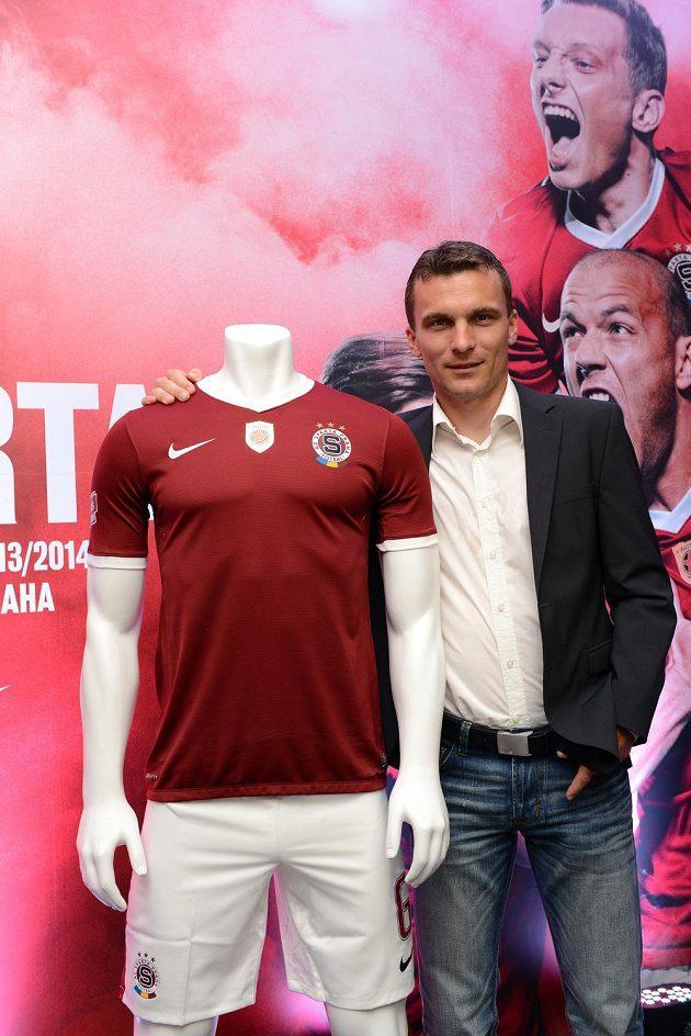 Budou se sparťané v nové sezóně radovat tak, jako na reklamním snímku za novým kapitánem Davidem Lafatou...?