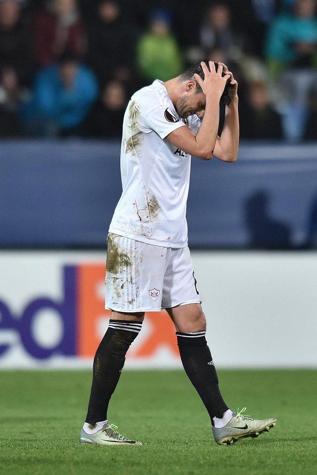 Zklamaný Míchel z Karabachu po inkasovaném gólu od Liberce.