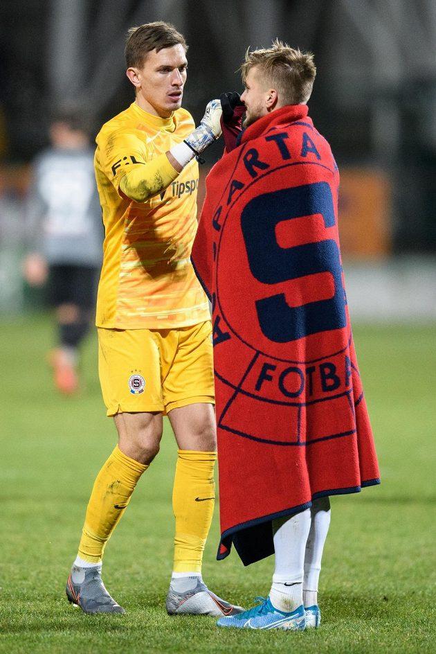 Brankář Sparty Praha Milan Heča a Martin Frýdek po utkání 18. kola Fortuna ligy v Příbrami.