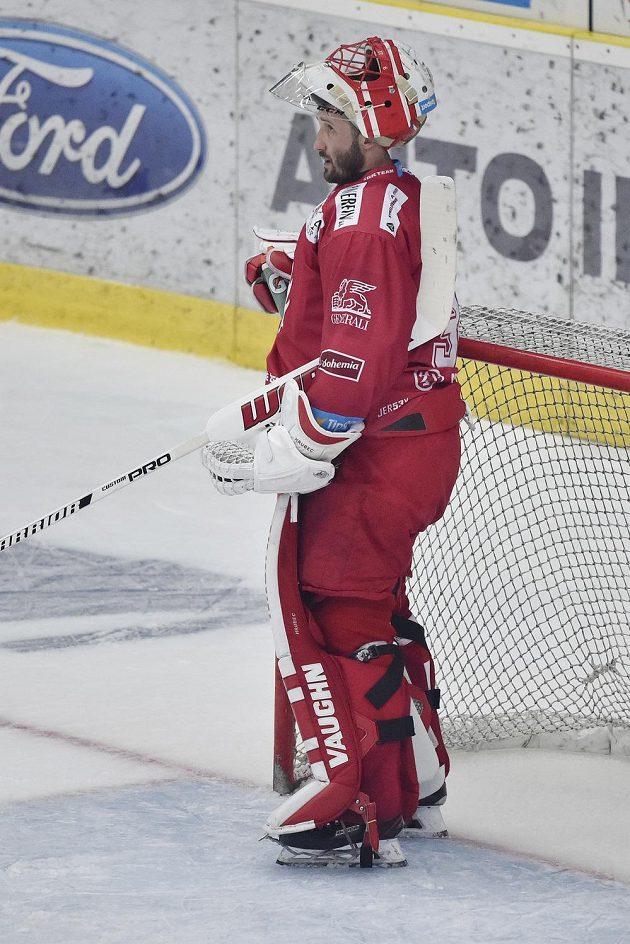 Brankář Třince Šimon Hrubec po prvním inkasovaném gólu.