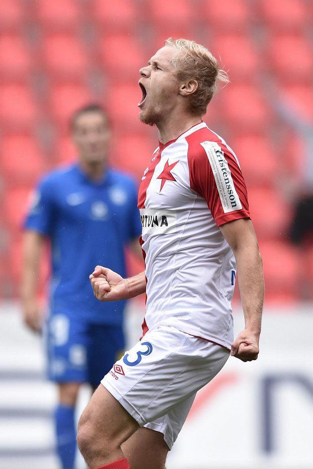 Záložník Slavie Praha Jan Mikula oslavuje gól proti Liberci na 2:1.