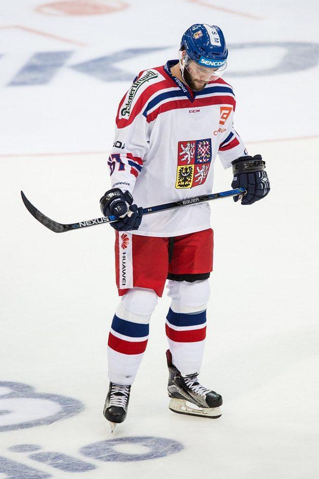 Smutek ve tváři útočníka Tomáše Vincoura, čeští hokejisté podlehli Finsku 0:3.