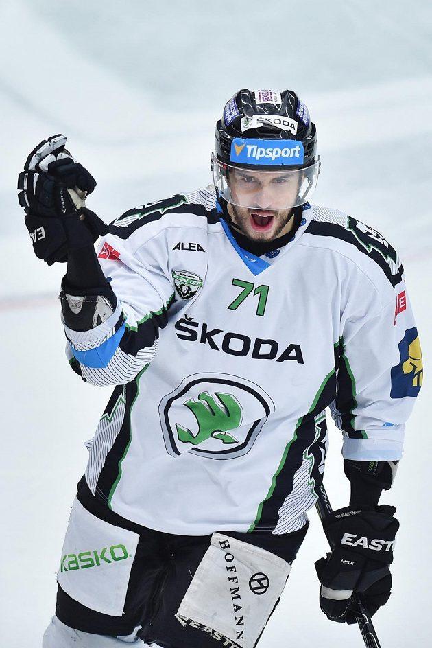 Útočník Boleslavi Tomáš Hyka se raduje z gólu proti Hradci Králové.