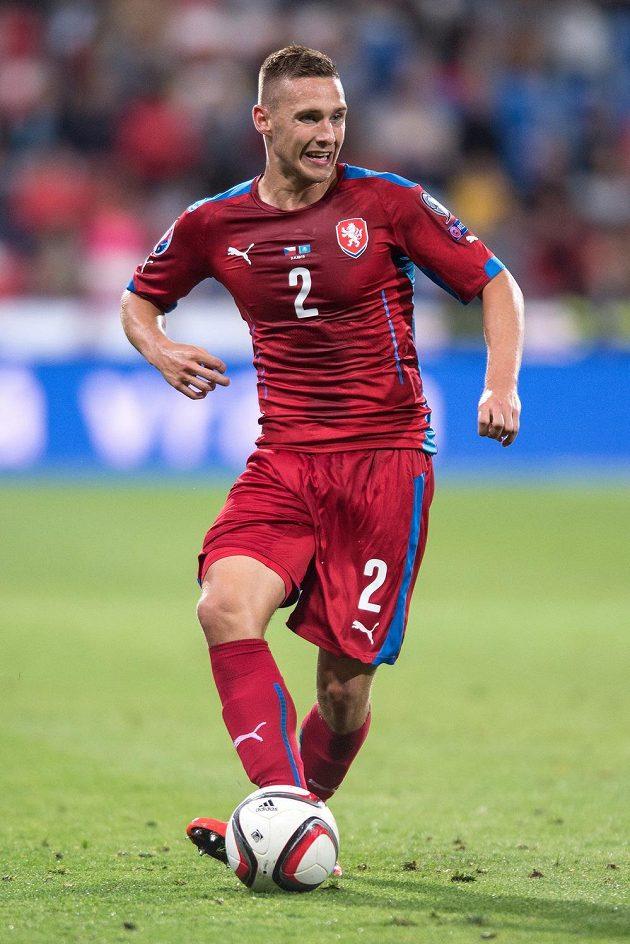 Obránce Pavel Kadeřábek patřil proti Kazachstánu k nejaktivnějším hráčům.