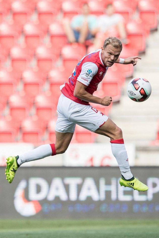 Mick van Buren ze Slavie Praha a jeho gólová hlavička na 1:0 během utkání s Mladou Boleslaví v 5. kole HET ligy.