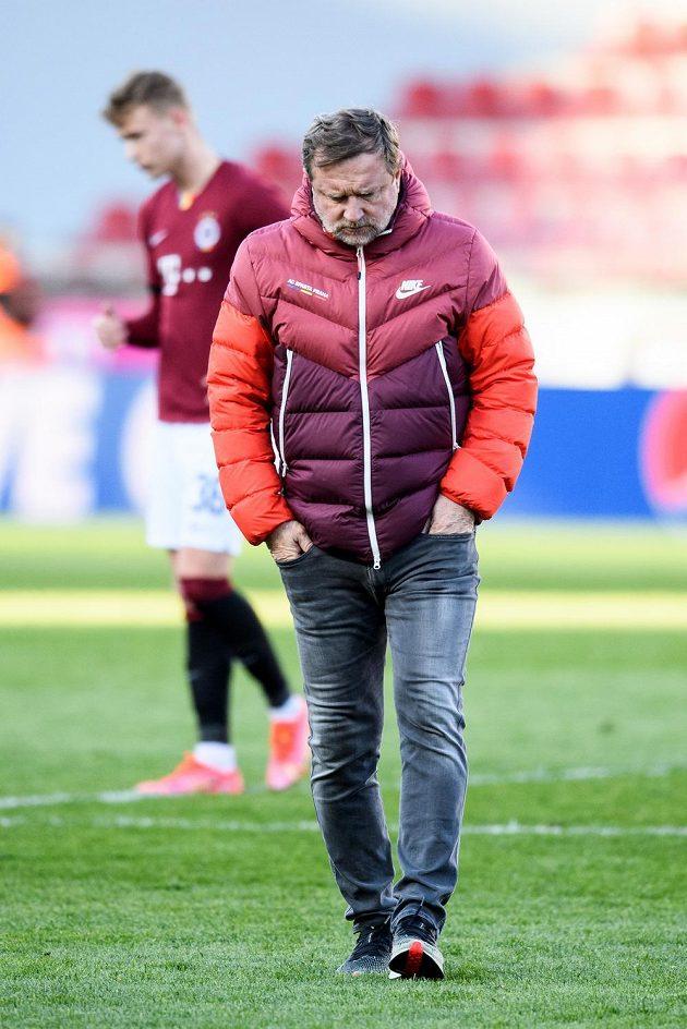 Zklamaný trenér Sparty Pavel Vrba po utkání semifinále MOL Cupu se Slavií.
