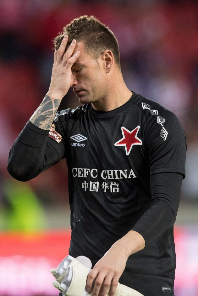 Brankář Jan Laštůvka po utkání 3. předkola Ligy mistrů mezi SK Slavia Praha a Bate Borisov zrovna nezářil štěstím. Výhra 1:0 se zdála Pražanům málo.