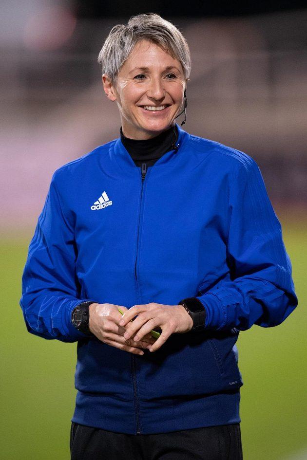 Rozhodčí Jana Adámková během utkání 18. kola Fortuna ligymezi Duklou a Příbramí.