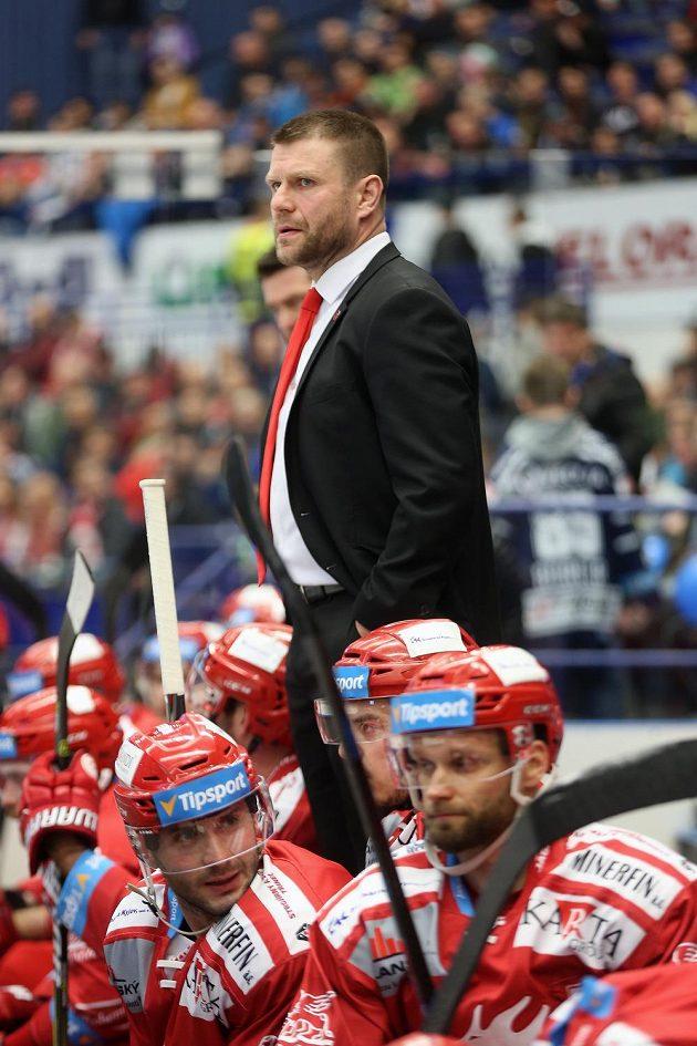 Trenér Třince Václav Varaďa.