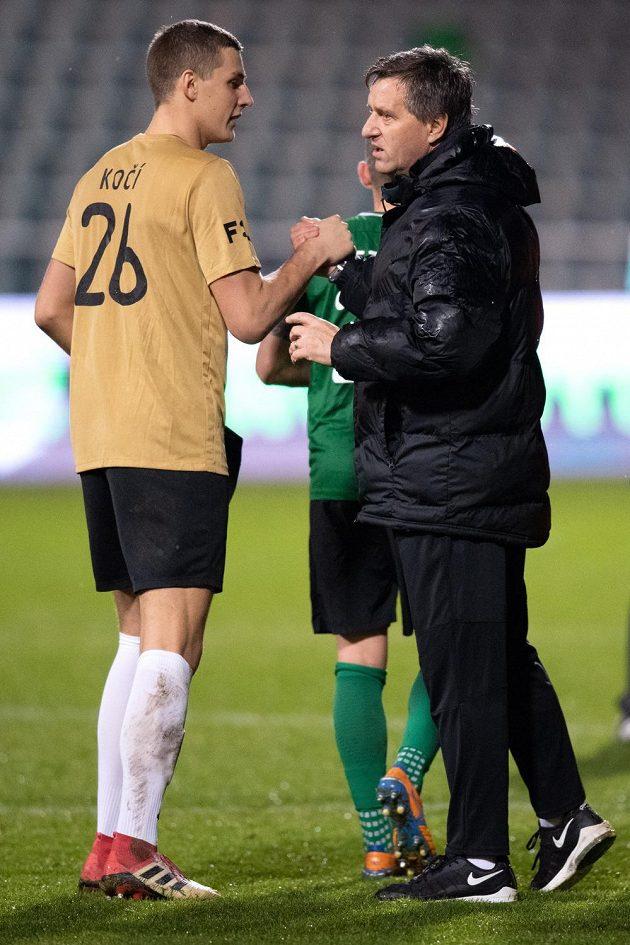 Brankář Příbrami Onřej Kočí a trenér Josef Csaplár během duelu s Duklou.
