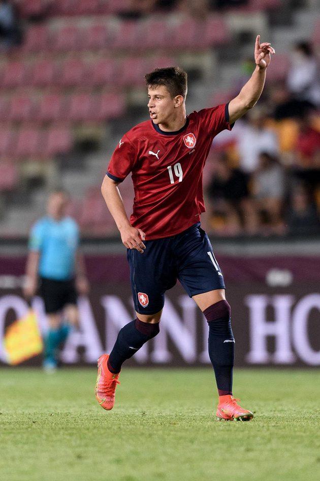 Adam Hložek během přípravného utkání s Albánií.