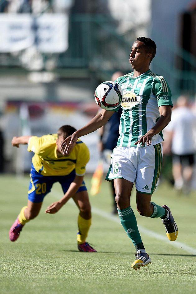 Jhon Mosquera z Bohemians během utkání 1. kola Synot ligy proti Zlínu.