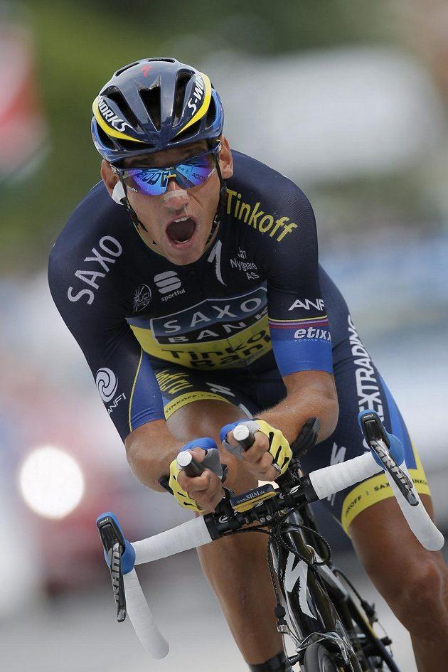 Roman Kreuziger v plném tempu na trati 17. etapy Tour de France.