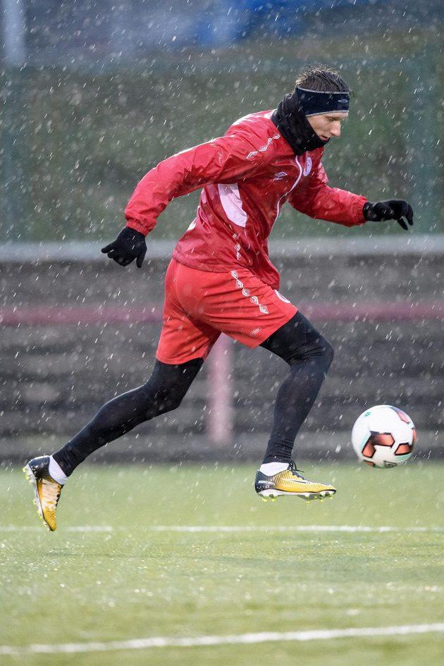 Útočník Slavie Praha Milan Škoda během zahájení zimní přípravy.