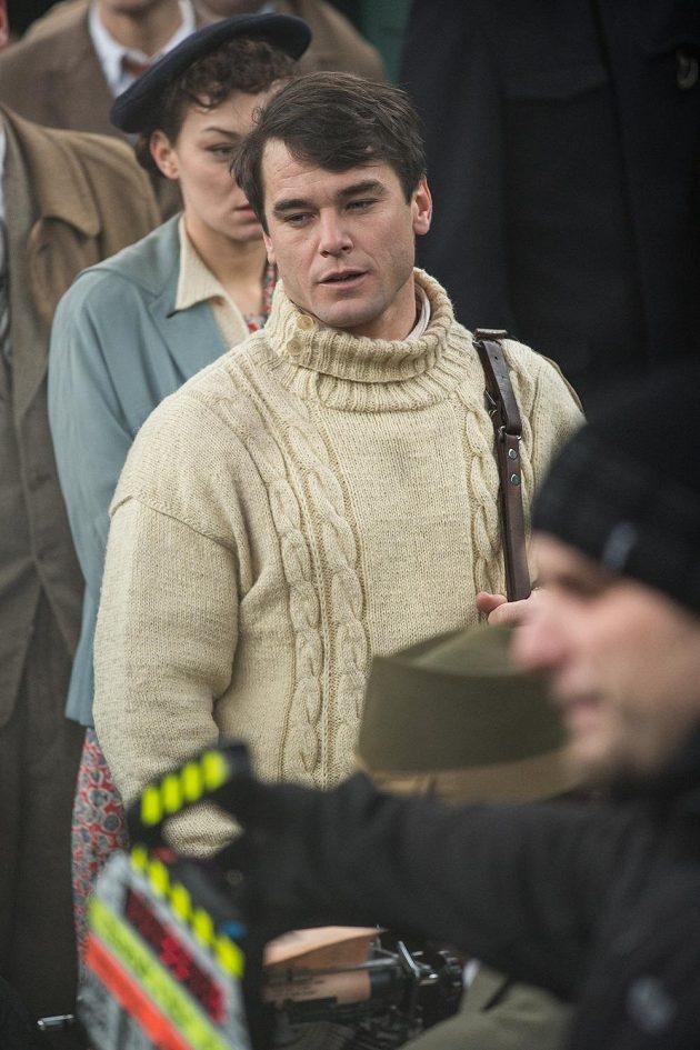 Vavřinec Hradilek při natáčení filmu Tenkrát v ráji.