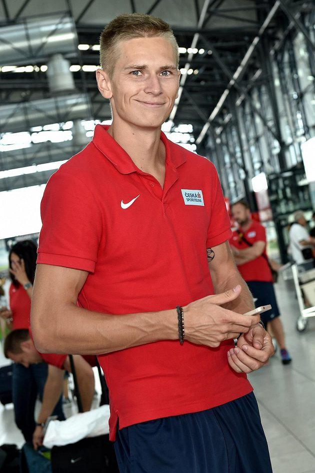 Dálkař Radek Juška před odletem na atletické mistrovství světa do čínského Pekingu.