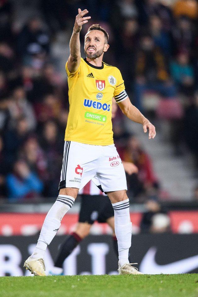 Tomáš Sivok z Českých Budějovic během utkání na Spartě.