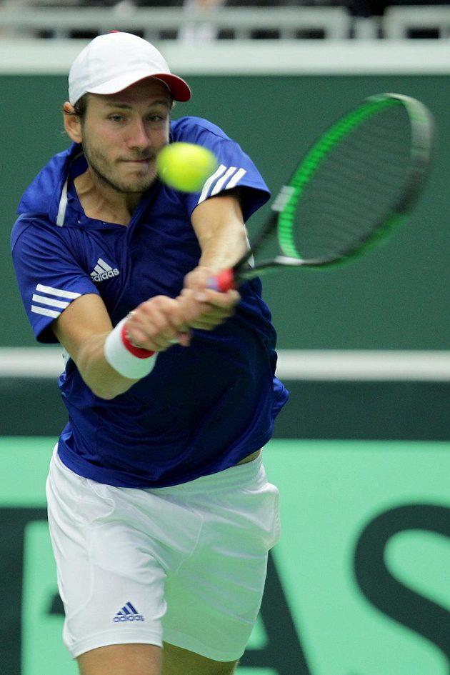 Francouzský tenista Lucas Pouille v zápase s Jiřím Veselým.