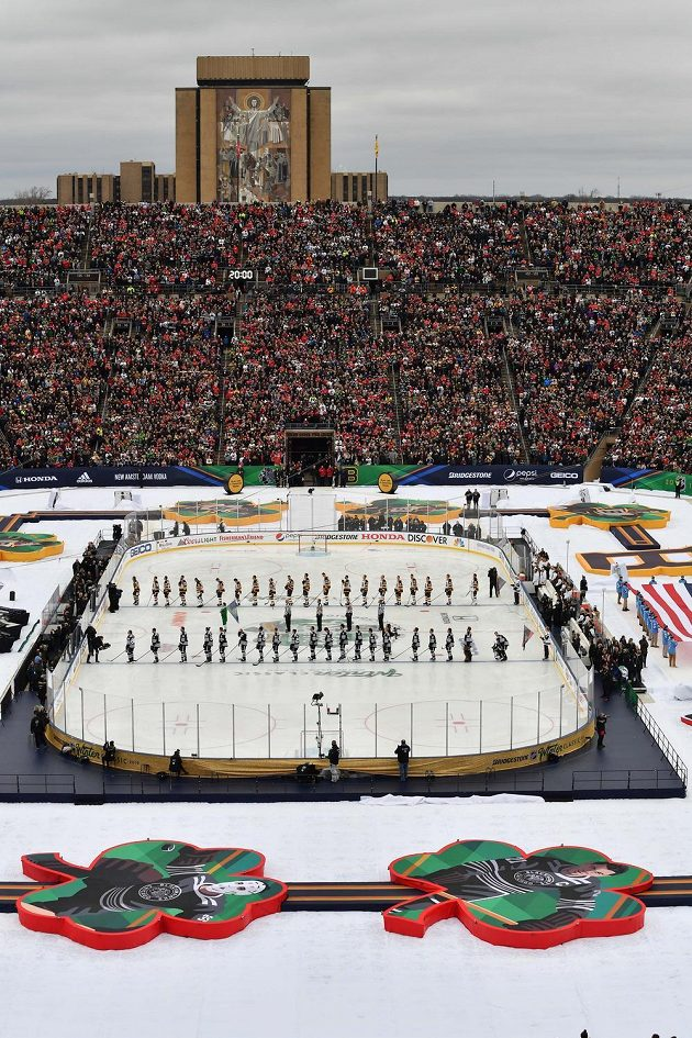 Nástup před Winter Classic 2019: Chicago Blackhawks - Boston Bruins.