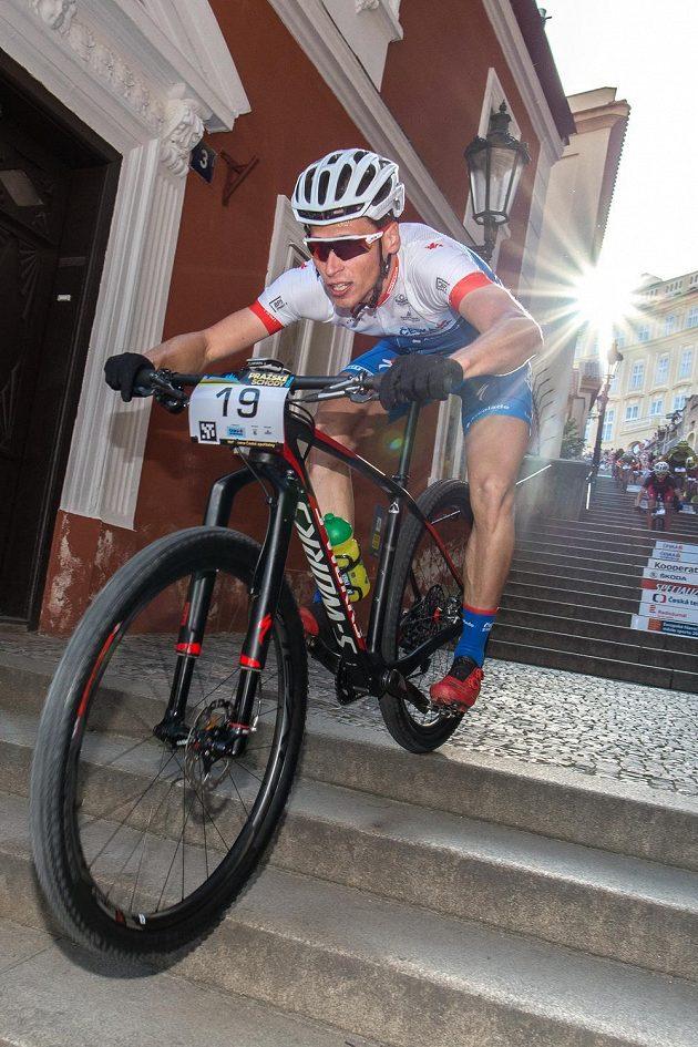 Matouš Ulman na trati závodu horských kol Pražské schody 2016.