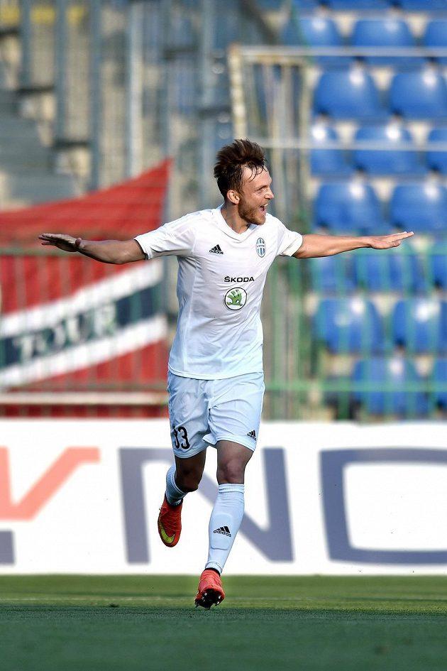 Mladoboleslavský záložník Daniel Bartl oslavuje svůj gól v úvodním duelu 2. předkola Evropské ligy proti Strömsgodsetu.