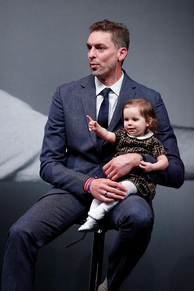 Pau Gasol s dcerou.