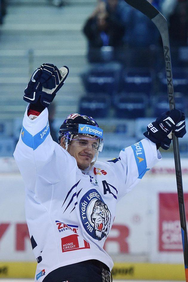 Autor rozhodujícího gólu v samostatných nájezdech Branko Radivojevič z Liberce.