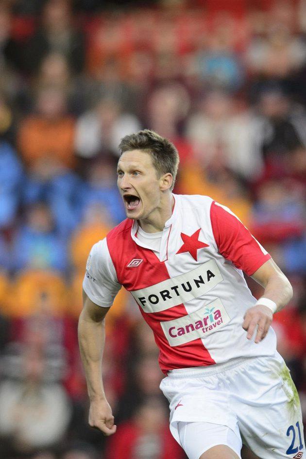 Útočník Slavie Milan Škoda se raduje z gólu, který vstřelil v samotném úvodu zápasu Spartě.
