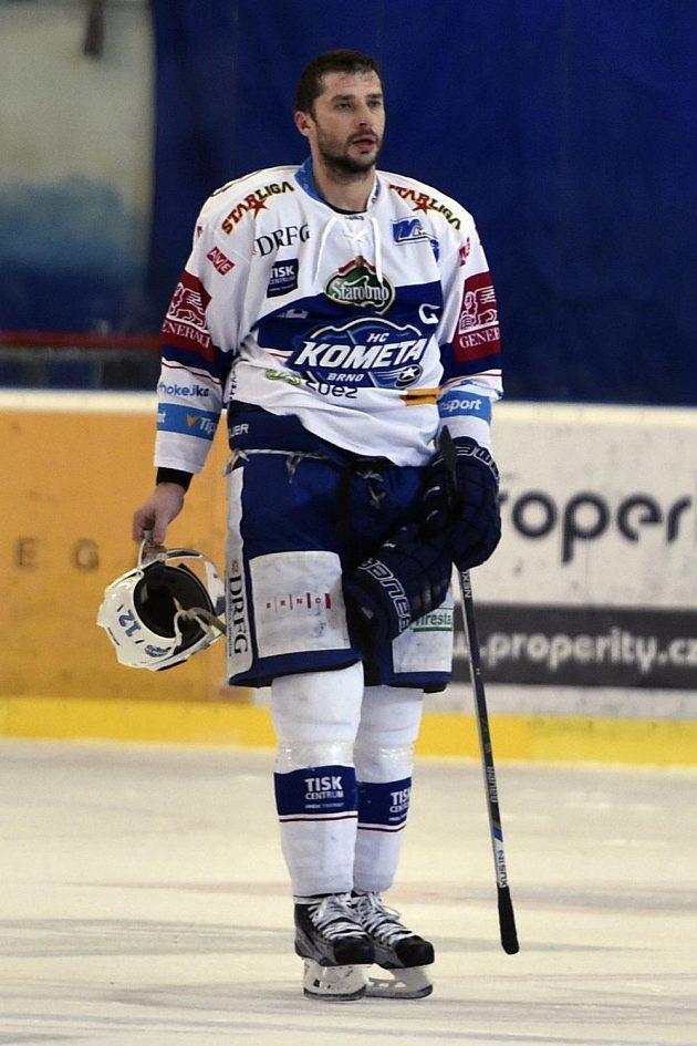 Kapitán brněnských hokejistů Leoš Čermák se proti Karlovým Varům blýskl hattrickem.