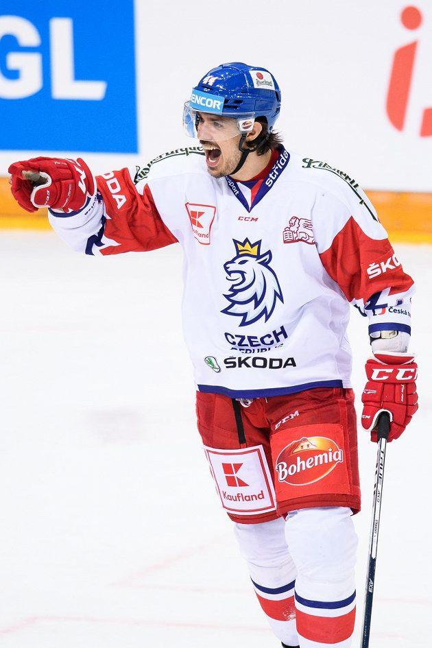 Matěj Stránský oslavuje vítězný gól na 3:2 v prodloužení se Švédy.