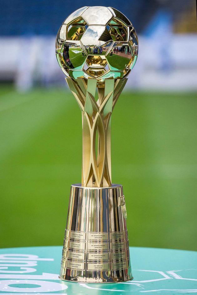 Nová trofej pro vítěze MOL Cupu. Ještě celá.