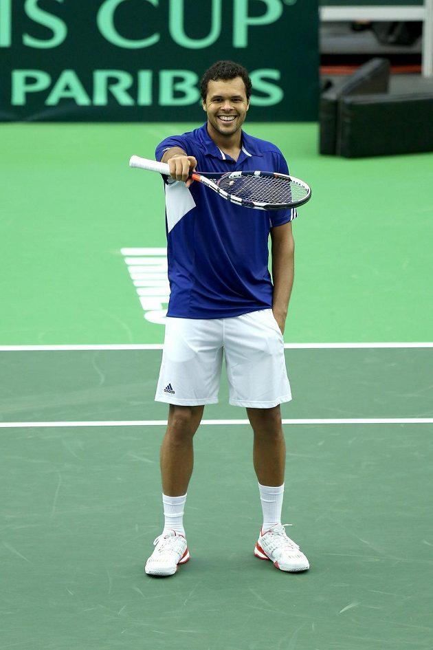 Francouzský tenista Jo-Wilfried Tsonga se raduje z výhry nad Jiřím Veselým.