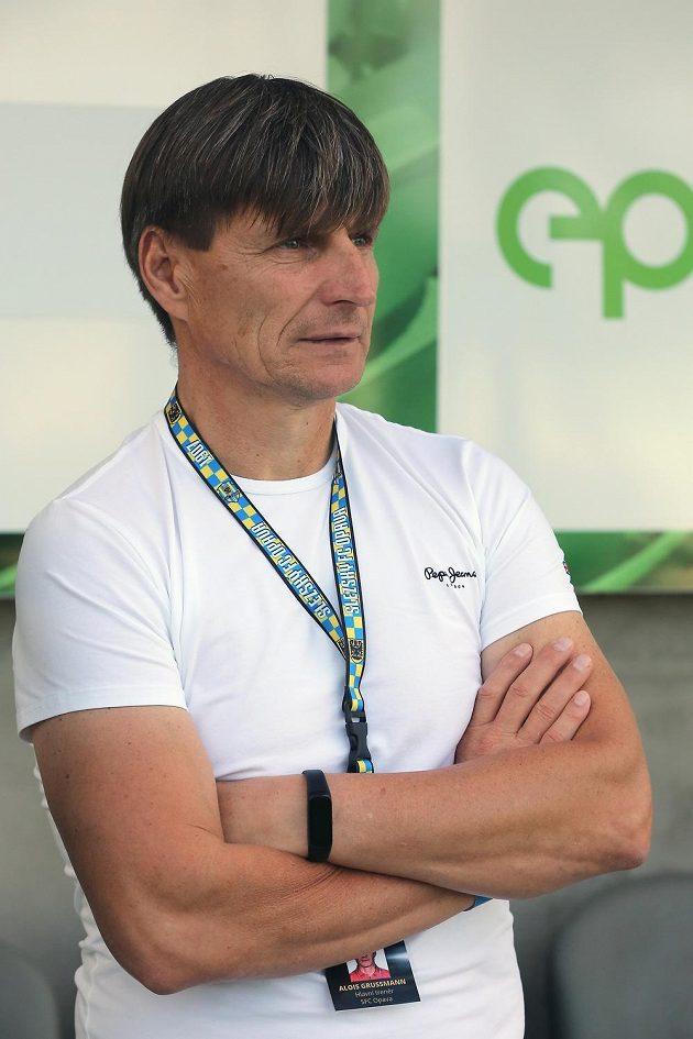 Sportovní manažer Opavy Alois Grussmann, který po odvolání kouče Ivana Kopeckého tým dočasně vede společně s asistentem Josefem Dvorníkem.