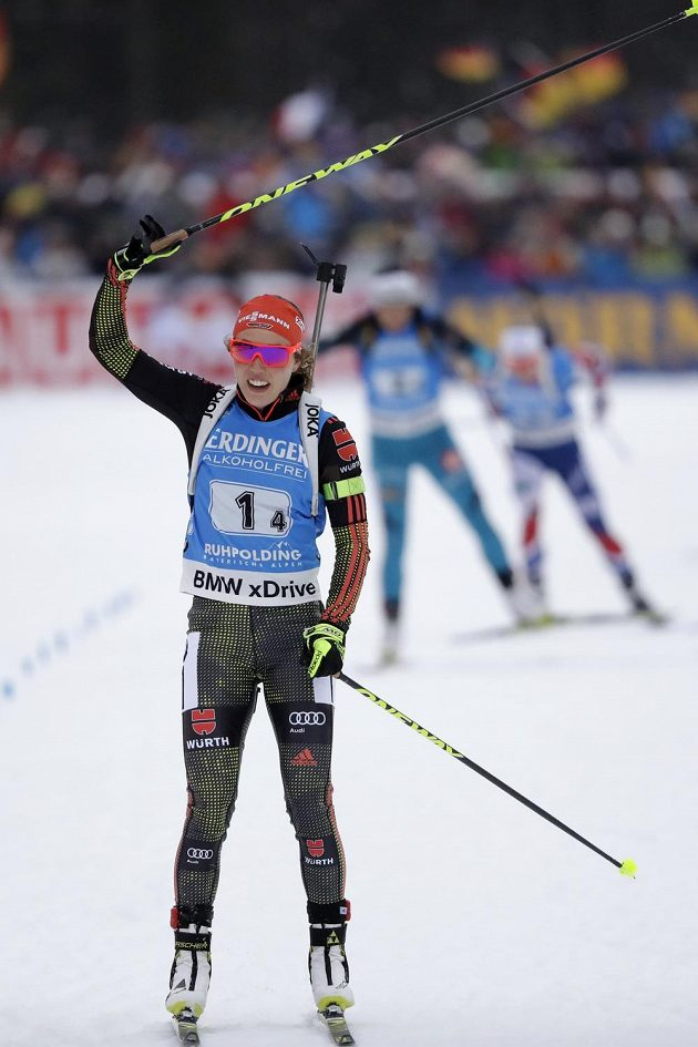 Laura Dahlmeierová dovezla v Ruhpoldingu k prvnímu místu německou štafetu.