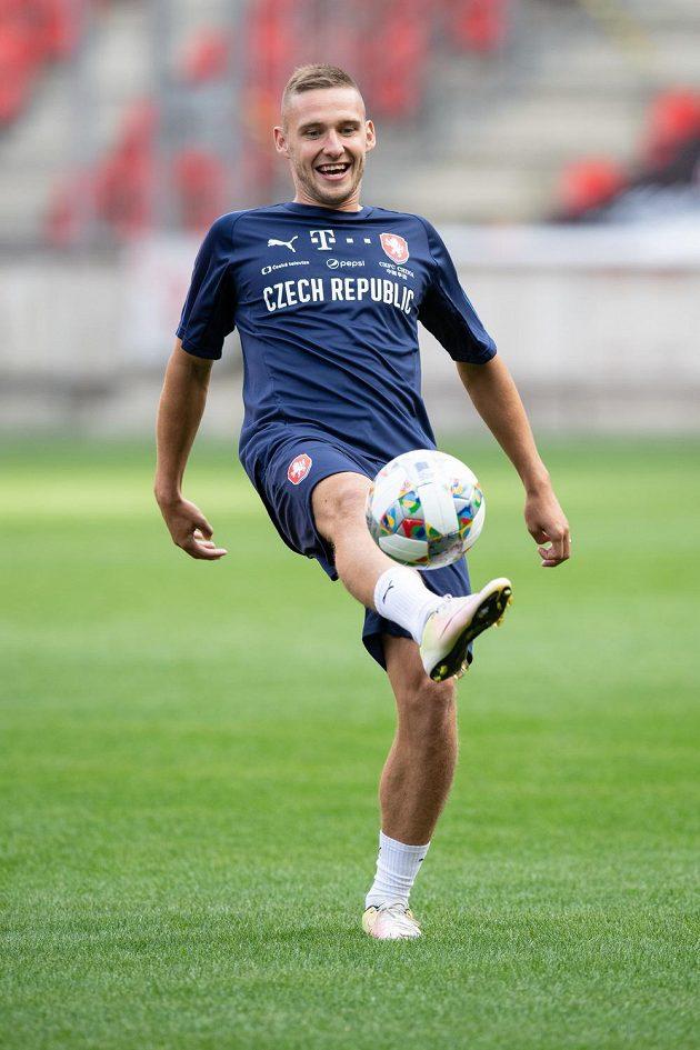 Obránce Pavel Kadeřábek během tréninku fotbalové reprezentace.
