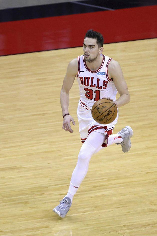 Tomáš Satoranský z Chicaga při utkání s Houstonem.