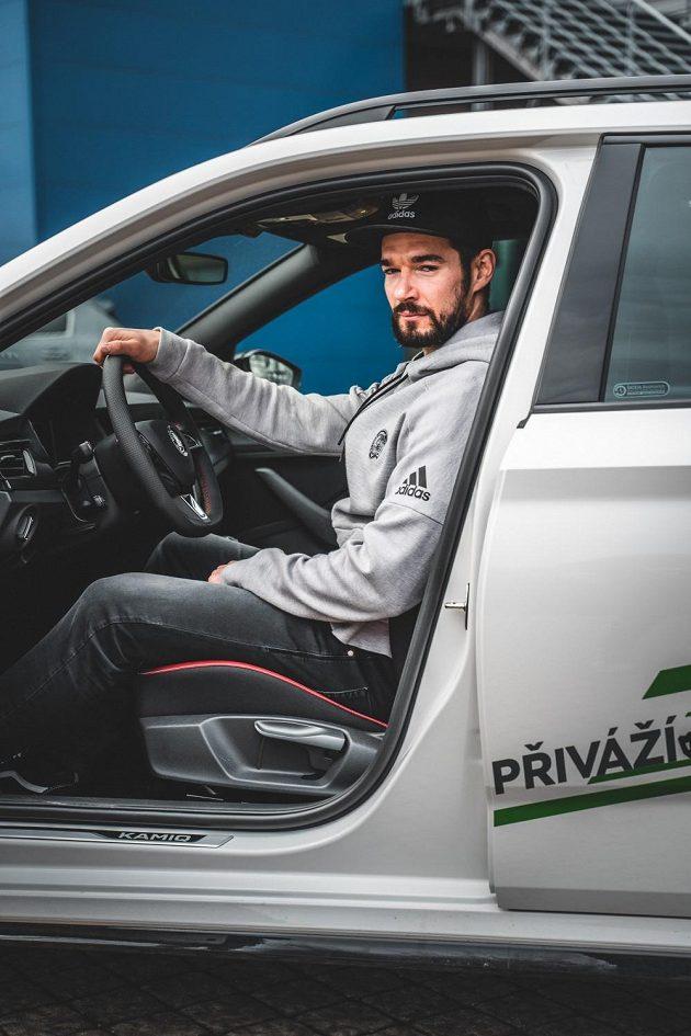 Odměna pro Michala Birnera, který v lednu zaznamenal nejvíc bodů v hokejové extralize. Liberecký hráč získal díky projektu Náš lídr na jeden měsíc do užívání vůz Škoda Kamiq.