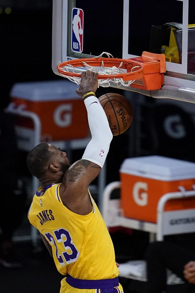 Los Angeles Lakers forward LeBron James dunks against the Portland Trail Blazers during the first quarter of an NBA basketball game Monday, Dec. 28, 2020, in Los Angeles. (AP Photo/Ashley Landis)