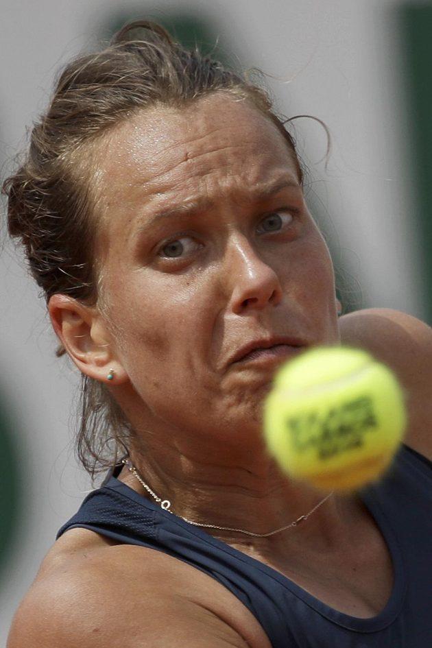 Barbora Strýcová v boji o čtvrtfinále v Paříži.