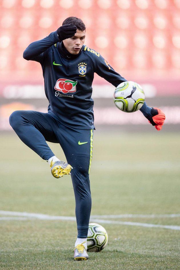 Brazilský obránce Thiago Silva během tréninku národního týmu Brazílie před přátelským utkáním s Českou republikou.