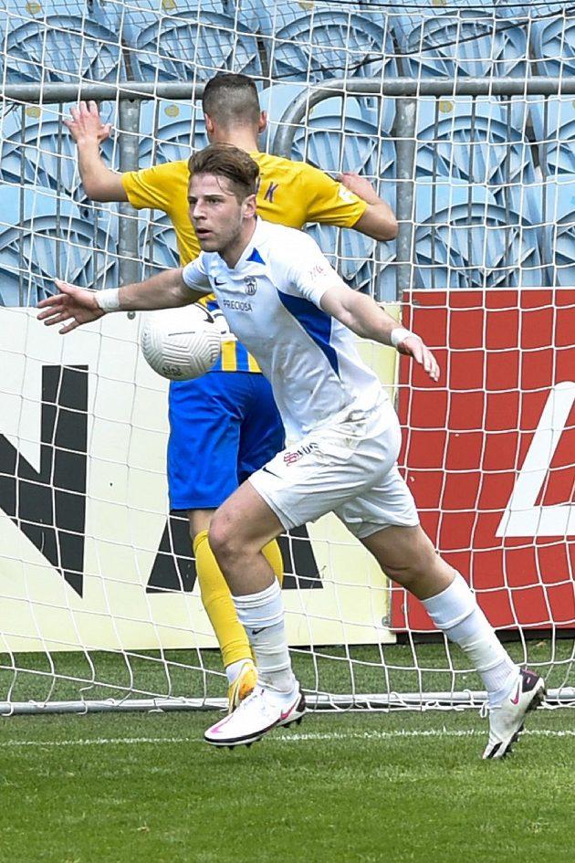 Imad Rondič z Liberce se raduje z gólu.