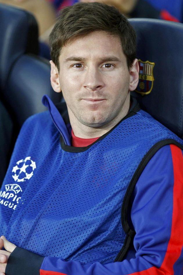 Hvězdný Lionel Messi z Barcelony kvůli zdravotním problémům v semifinálové odvetě Ligy mistrů proti Bayernu zůstal jen na lavičce.