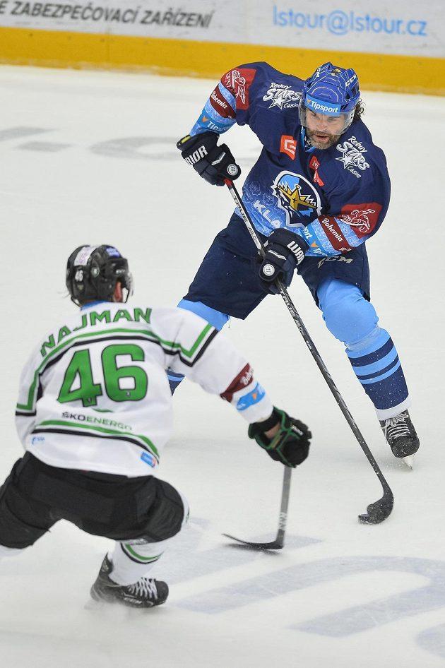 Jaromír Jágr z Kladna během utkání v Mladé Boleslavi.