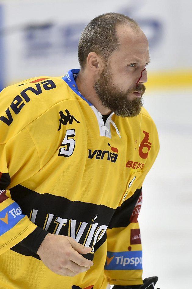 Zraněný Michal Trávníček z Litvínova.